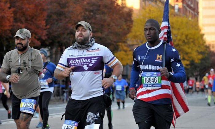 Kionte Storey (R) in the 2018 New York City Marathon. (Courtesy of Kionte Storey)