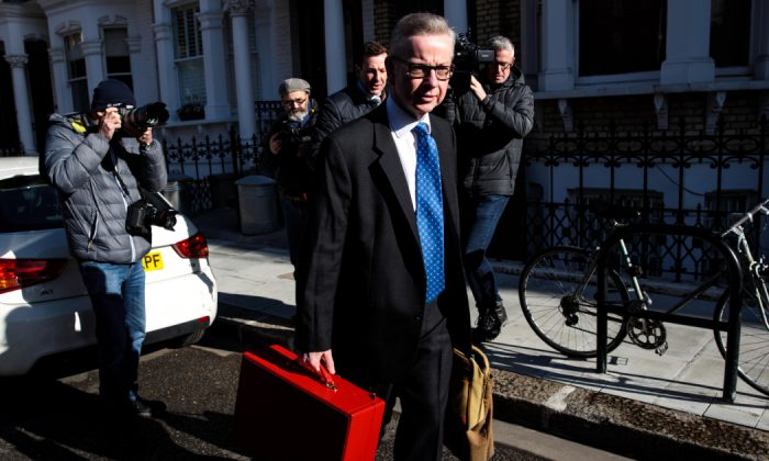 Secretary of State for Environment, Food and Rural Affairs Michael Gove leaves his home ahead of a Cabinet meeting in London, England on March 25, 2019. (Jack Taylor/Getty Images)