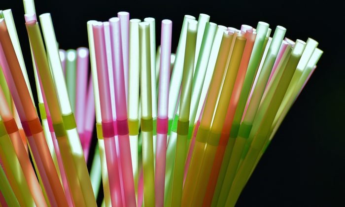 A stock photo of plastic straws (Pixabay)