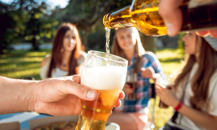 Cheers to easy-drinking summer beers. (Shutterstock)
