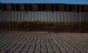 Border Wall Seesaw Lets American and Mexican Children Play Together