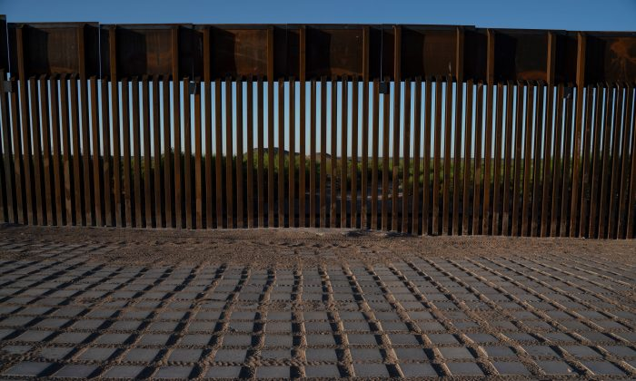 Recently-installed bollard style fencing on the U.S.-Mexico border near Santa Teresa, N.M., on April 30, 2019. (PAUL RATJE/AFP/Getty Images)