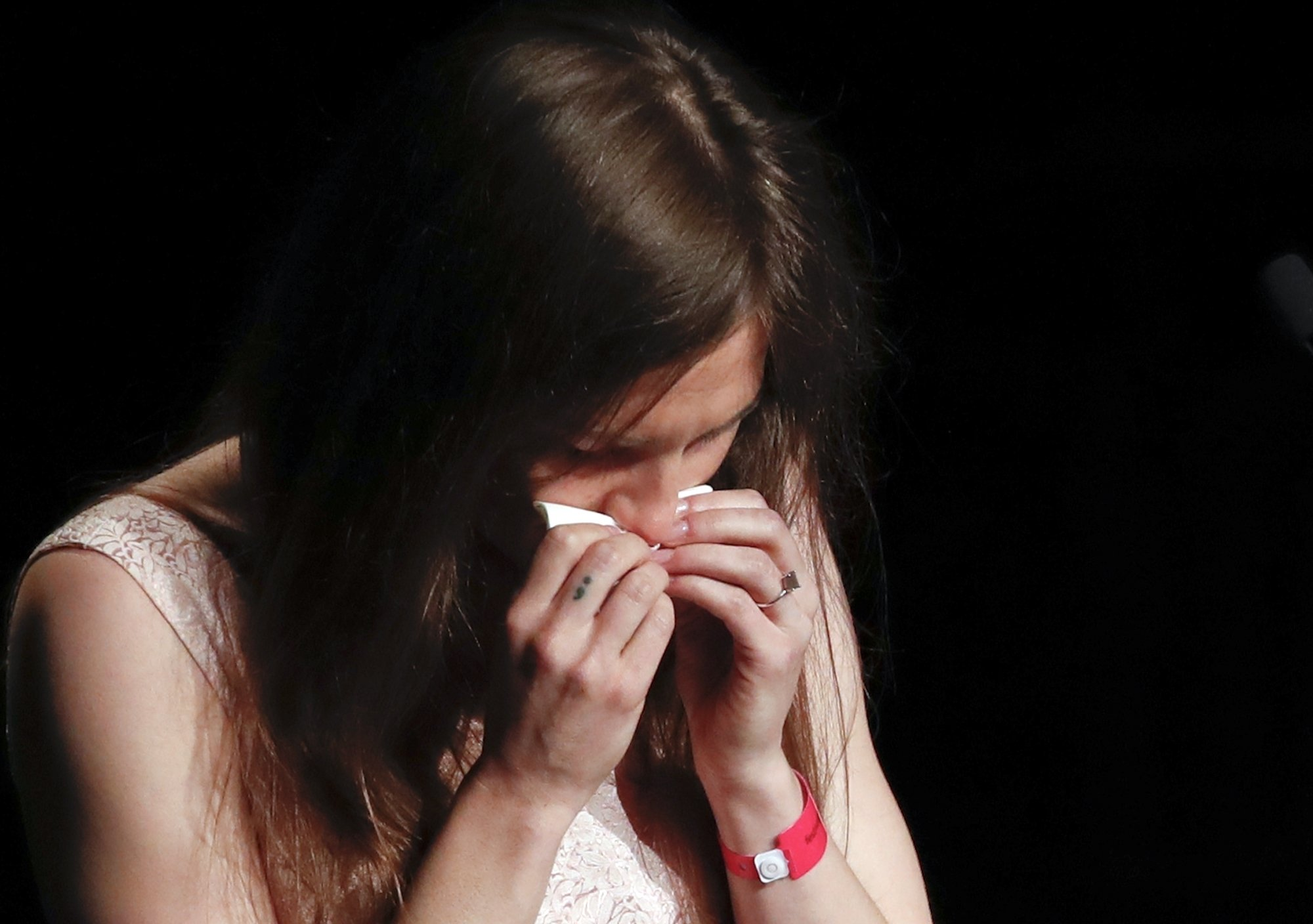 Sobbing Amanda Knox reveals she contemplated suicide while