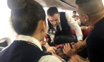 Passengers Subdue Chaotic Man on Board Turkish Airlines Jet