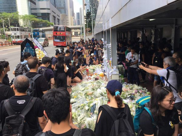 Tribute for HK 'Raincoat Boy'