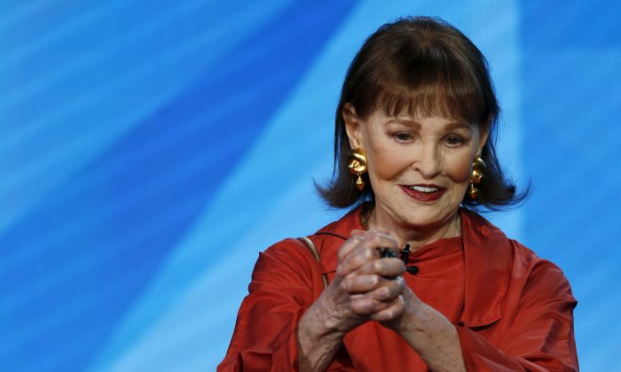 """Actress Gloria Vanderbilt speaks at a panel for the HBO documentary """"Nothing Left Unsaid"""" during the Television Critics Association Cable Winter Press Tour in Pasadena, California on Jan. 7, 2016. (Mario Anzuoni via Reuters)"""