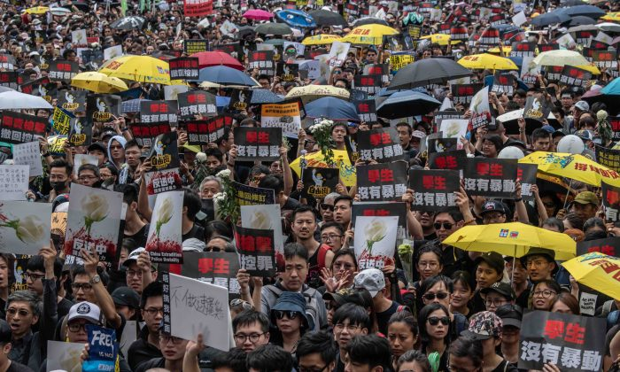 Protesters demonstrate against the extradition bill in Hong Kong on June 16, 2019. (Carl Court/Getty Images)