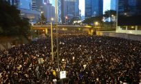 Chinese Regime Issues Blanket Media, Internet Censorship on Hong Kong Protests