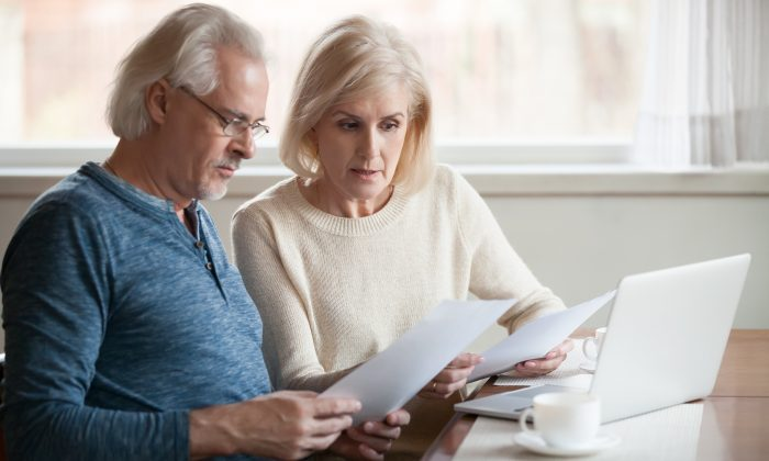 A study found that as beta-amyloid plaque—which is closely associated with Alzheimer's—built up, people became worse with basic financial tasks like calculating an account balance. (fizkes/Shutterstock)
