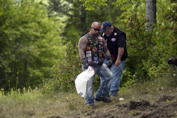 Motorcyclers mourn fatal crash 7