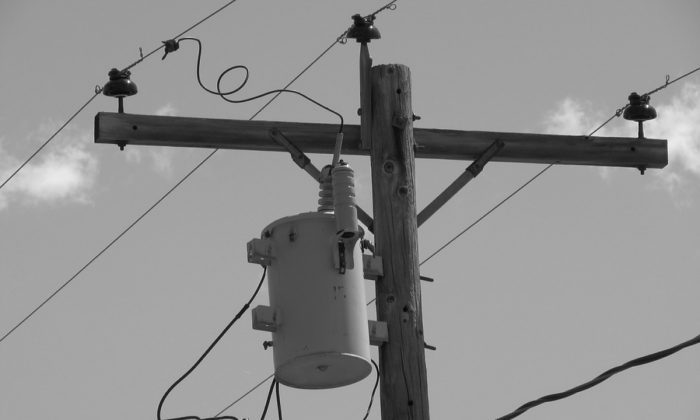 Stock image of a transformer on a utility pole. (Bitcountry/Pixabay)
