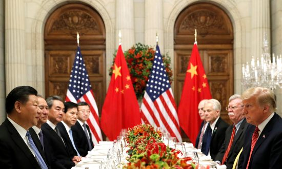 US Hopes to Re-launch China Trade Talks, Won't Accept Conditions on Tariffs: Official