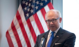 Former Trump Ambassador to UK Cleared of Making Inappropriate Comments on Race, Gender: Report
