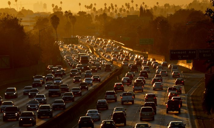 Heavy traffic clogs the 101 Freeway as people leave work for the Labor Day holiday in Los Angeles on Aug. 29, 2014. (Mark Ralston/AFP/Getty Images)