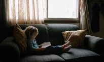 'Buy Now With 1-click' Allows Toddler to Buy $430 Couch While Playing on Mother's Phone