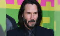 150,000 Keanu Reeves FANS Sign Petition to Make Him TIME Magazine's 'Person of the Year'