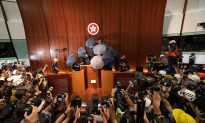 Hong Kong Protesters Break into Government Building in Escalated Demand to Scrap Extradition Bill