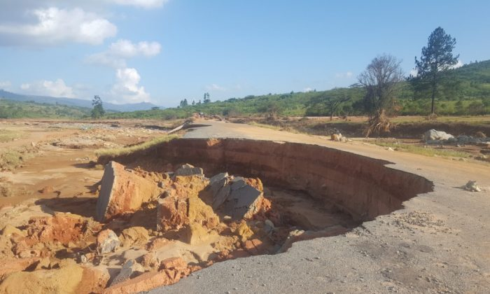 Cyclone Idai left a trail of distruction in Zimbabwe's Chimanimani district, in March 2019. (Courtesy of Kenneth Matimaire)