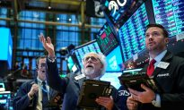 Stocks Hit Fresh Records Ahead of Independence Day