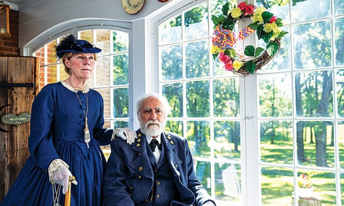 Frank and Bonnie Orlando portray Robert E. Lee and Mary Lee at the Lightner Farmhouse Bed and Breakfast in Gettysburg, Pennsylvania, on June 15, 2019. (Shenghua Sung/The Epoch Times)