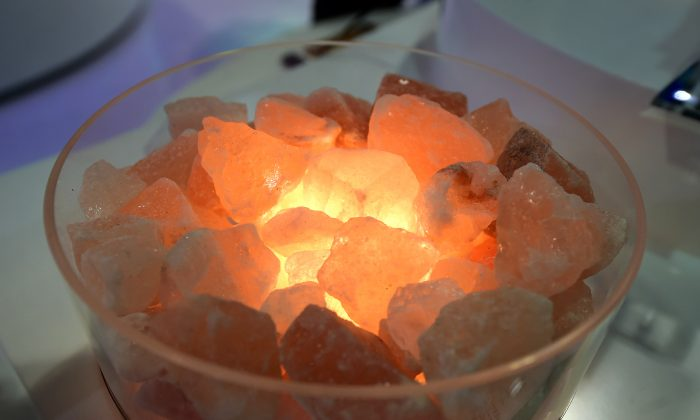 The Aria Natural Himalayan Crystal Salt Lamp from Levoite is displayed during the 2017 Consumer Electronic Show (CES) in Las Vegas, Nevada, on Jan. 6, 2017. (Frederic J. Brown/AFP/Getty Images)