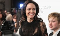 Twins Stand on Roadside Selling Giant Bear. An Hour Later, Angelina Jolie Stops By