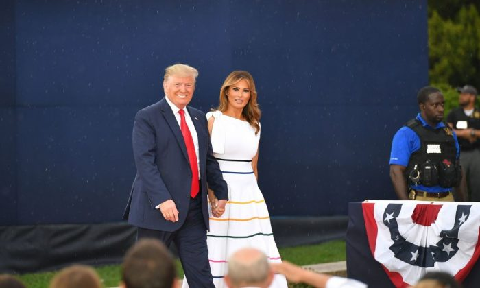 "President Donald Trump (L) and First Lady Melania Trump arrive for the ""Salute to America"" Fourth of July event at the Lincoln Memorial in Washington, on July 4, 2019. (Mandel Ngan/AFP/Getty Images)"