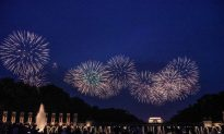 July 4 Celebrations Go Out With a Bang as Thousands Enjoy Washington Fireworks