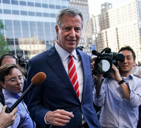 New York City Mayor and Democratic Presidential candidate Bill de Blasio leaves a rally against new restrictions on abortion passed by legislatures in eight states including Alabama and Georgia, in New York City, U.S., May 21, 2019. REUTERS/Jeenah Moon/File Photo
