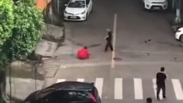 Man stabs girlfriend