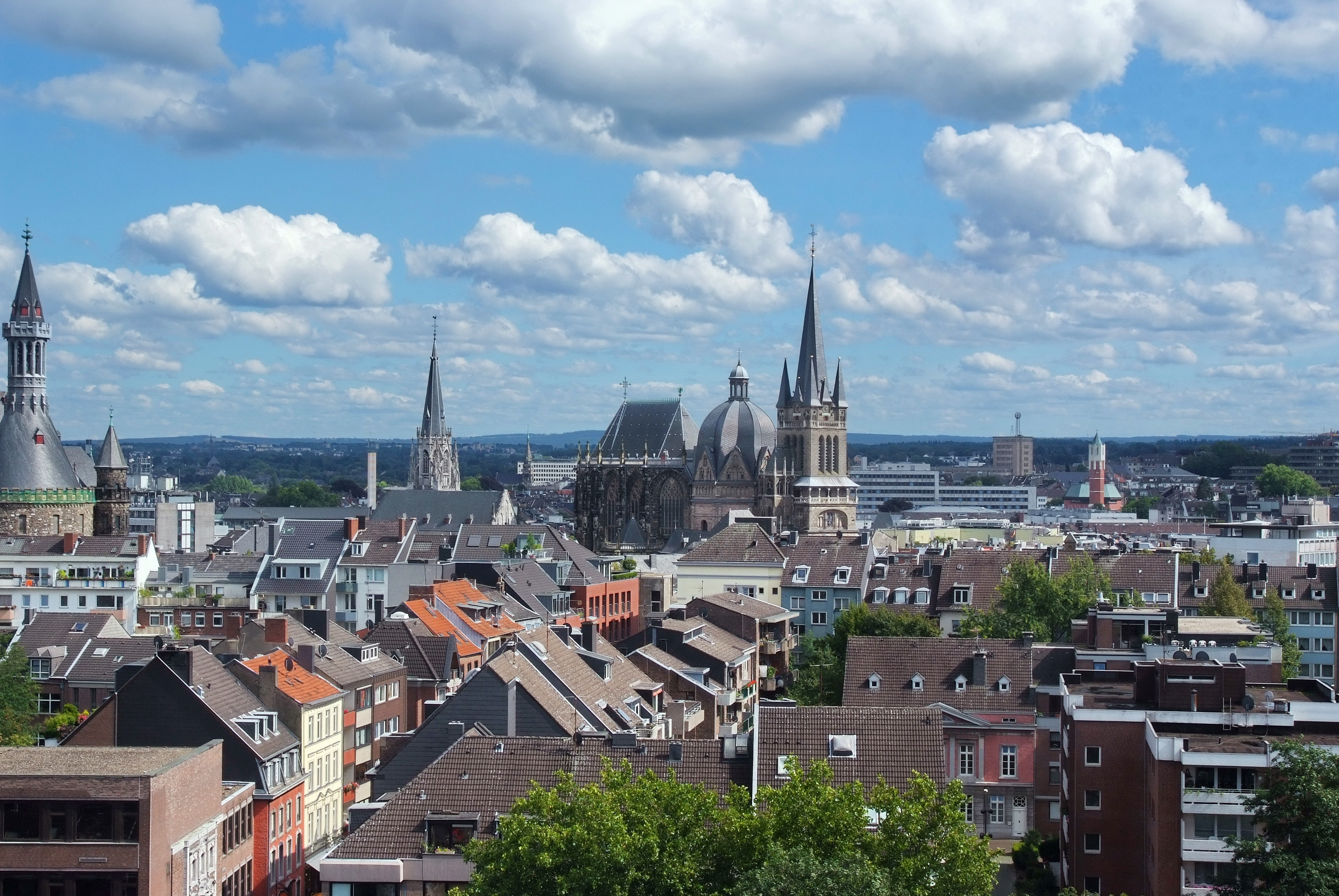 Charlemagne's Aachen: Culture, Responsibility, and Legacy
