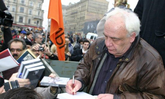 Legendary Soviet Dissident: We Need to Put Communism on Trial