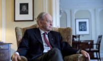 Former Prime Minister Chretien Hospitalized in Hong Kong With a Kidney Stone