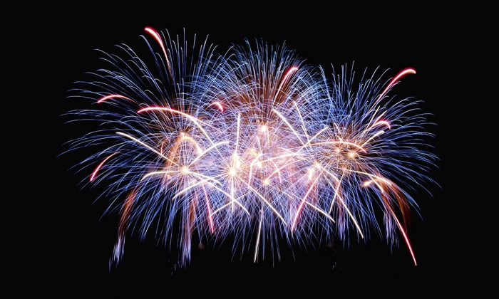 Fireworks. (Jingda Chen/Unsplash)