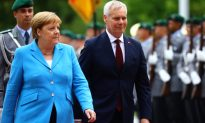 German Leader Angela Merkel Seen Shaking for 3rd Time in a Month