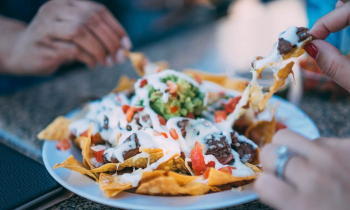 File photo of a plate of nachos. (StockSnap/Pixabay)