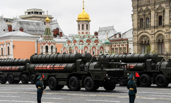 Russian S-400 Triumph medium-range and long-range surface-to-air missile systems ride through Red Square during the Victory Day military parade in Moscow on May 9, 2017. (Kirill Kurdyavtsev/AFP/Getty Images)