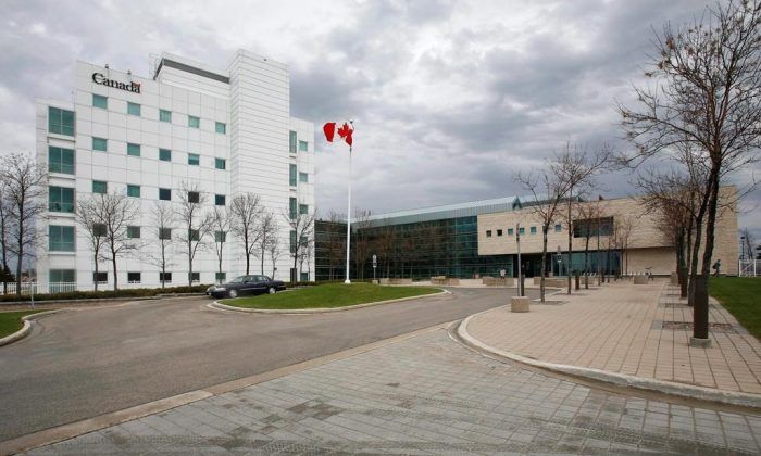 The National Microbiology Laboratory in Winnipeg on May 19, 2009. (John Woods/The Canadian Press)