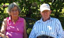 Husband and Wife Married for 71 Years Die on the Same Day