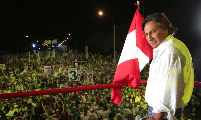 Presidential candidate Alejandro Toledo takes part in a campaign rally in Lima, Peru, on April 7, 2011. (Martin Mejia/AP Photo)