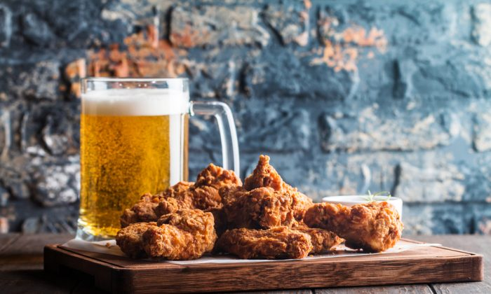 Would you sip a sour with your chicken wings? (Shutterstock)