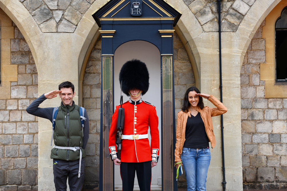 Tourist Takes Photo With the Queen's Guard but Can't Believe What Gets Caught on Camera