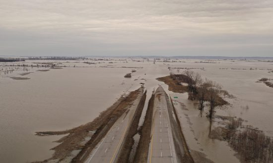 Ongoing Midwest Flooding Gets Scant Coverage in Mainstream Media