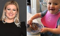 Kelly Clarkson Accused of 'Child Abuse' for Giving Sugar-Rich Snack to Her Toddler