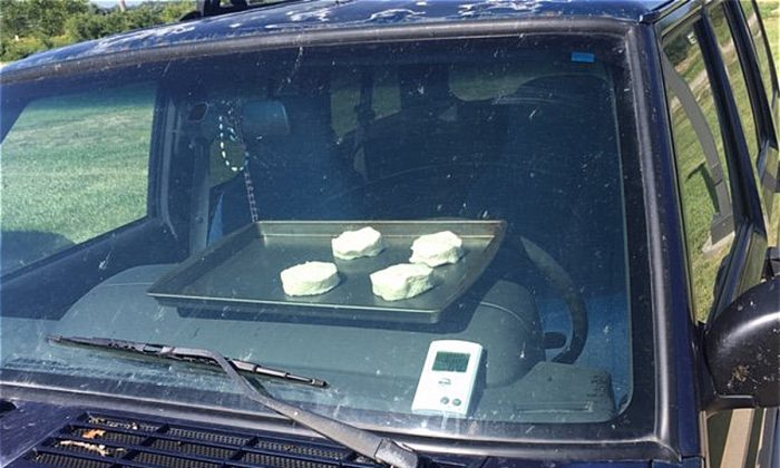 National Weather Service Nebraska bakes cookies in a parked car. (NWS Omaha)