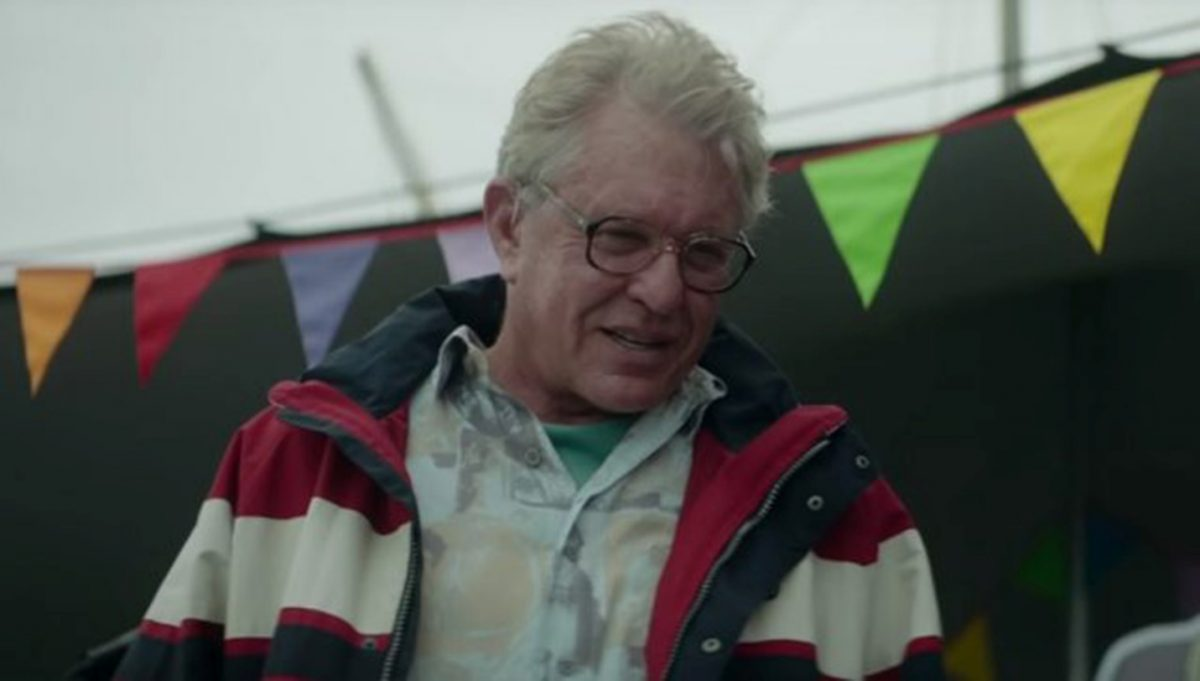 Tom Berenger as Ray in Supervized