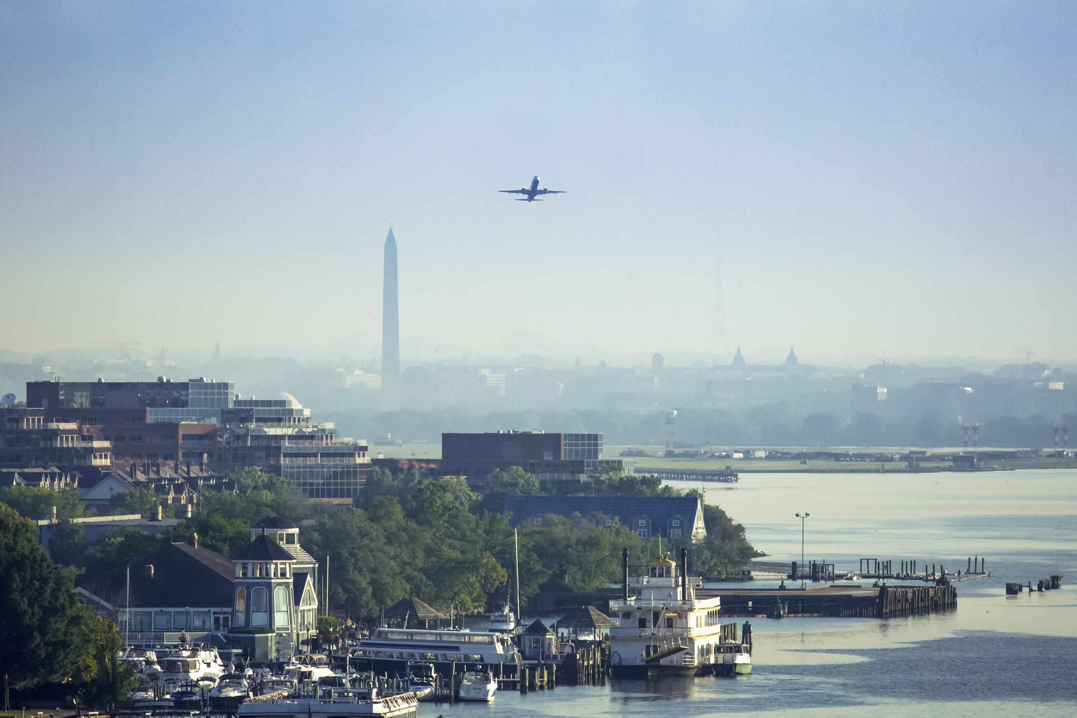 Alexandria_with_Washington_Monument_edited_CREDIT_K_Summerer_for_Visit_Alexandria