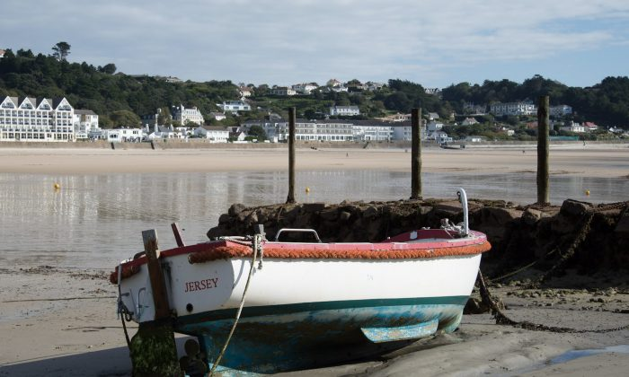 Low tide at St. Brélade's Bay in Jersey. (David Genders)