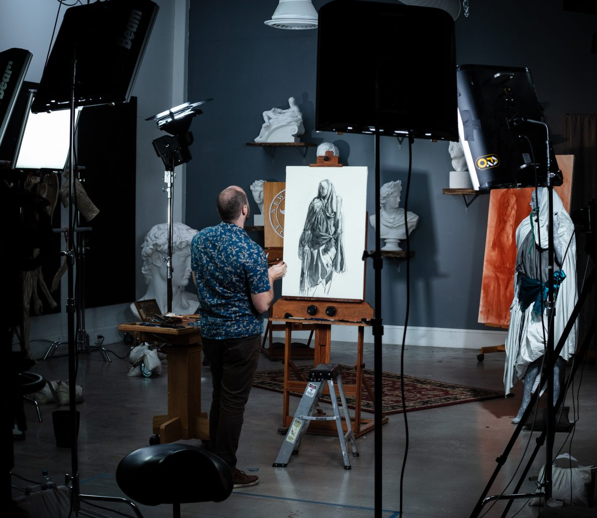 behind_the_scenes_shooting_russian_academic_drawing_course_with_Iliya_Mirochnik