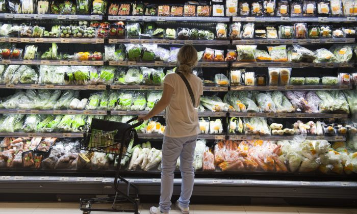 The updated Canada Food Guide does away with traditional food groups and has a lower emphasis on the consumption of meat and dairy compared to the previous guides. (Romeo Gacad/AFP/Getty Images)